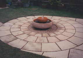 yorkstone_circles_body5_285_x_200